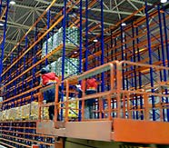 Монтажные работы на складе компани Uhrenholt