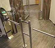 триподы у лифта