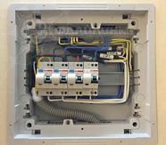 монтаж автоматических выключателей в электроящике